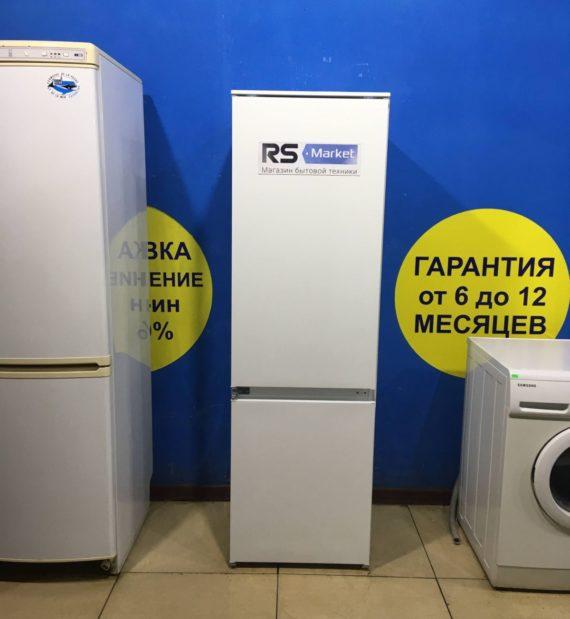 Б/У Холодильник Electrolux ENN92801BW