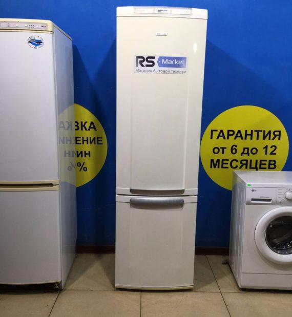 Б/У Холодильник ELECTROLUX ERB40402W8