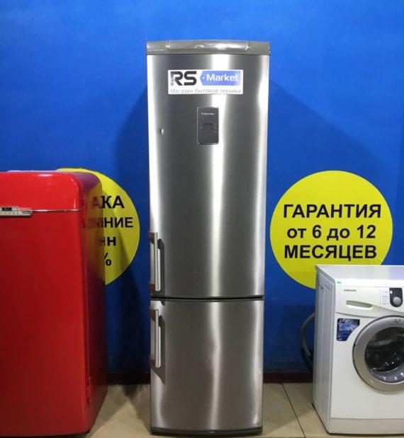 Б/У Холодильник Electrolux ENB38943X