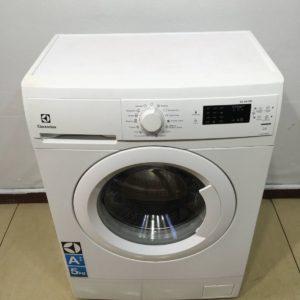 Б/у Стиральная машина Electrolux EWS1052EDU