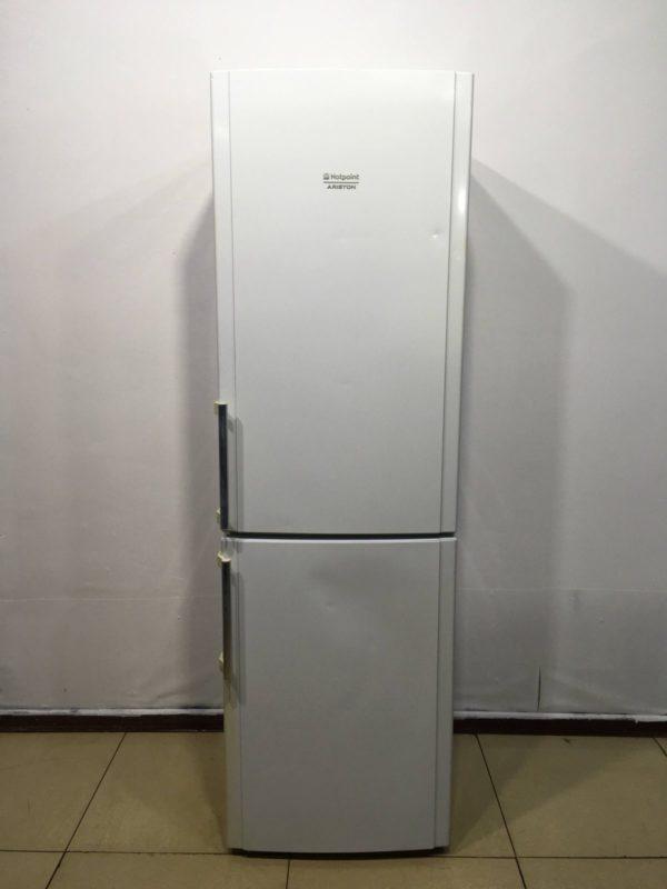 Б/у Холодильник ARISTON HBM2201.4H